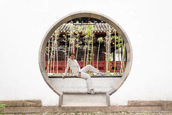 Frau, Weiße Wand, Tor