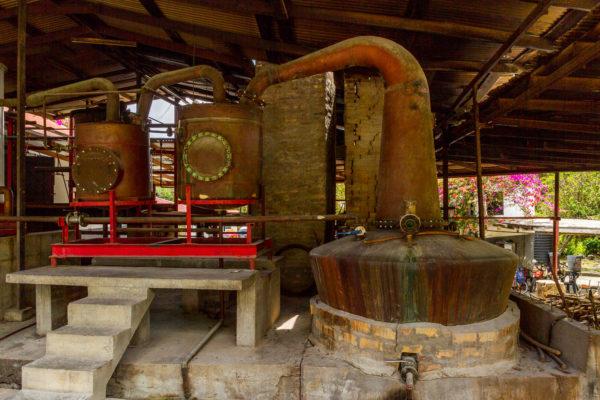 Rumherstellung, Destillerie