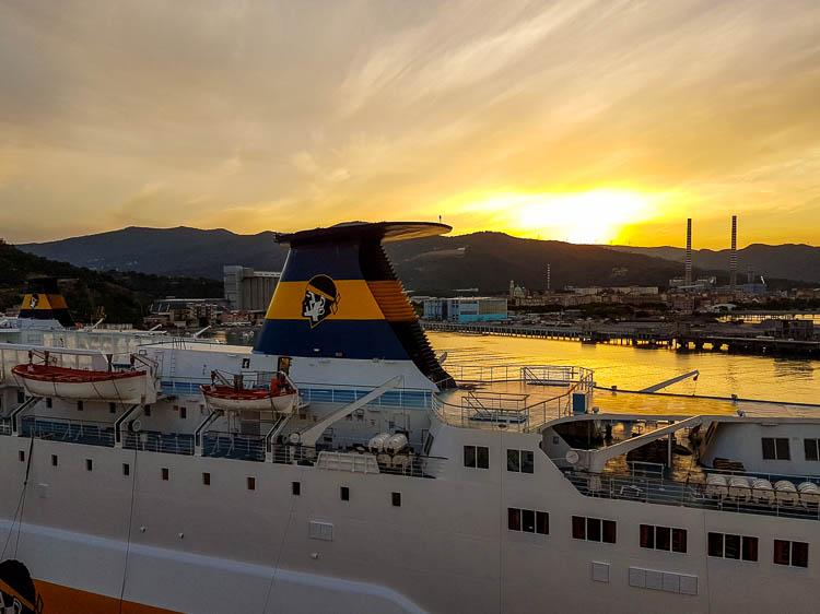 Korsika, Fähre