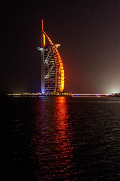 Burj al Arab nachts